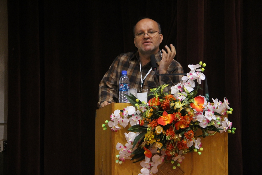 کنگره گیاهان دارویی اصفهان (10)