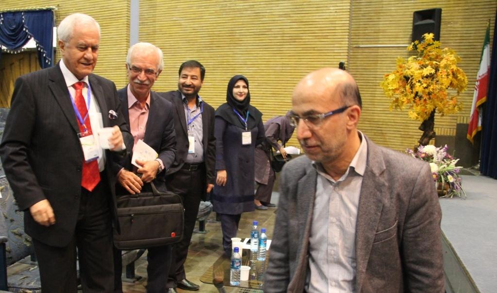 کنگره گیاهان دارویی اصفهان (2)